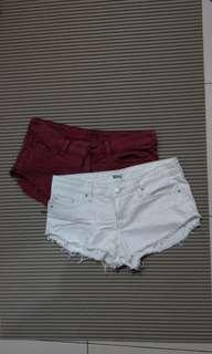 🚚 低腰仿舊鬚鬚牛仔褲短褲2色 暗紅/白