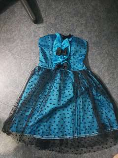 Stretchable tube party dress blue ribbon