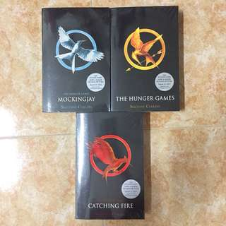 [FREEPOSTAGE] The Hunger Games Trilogy