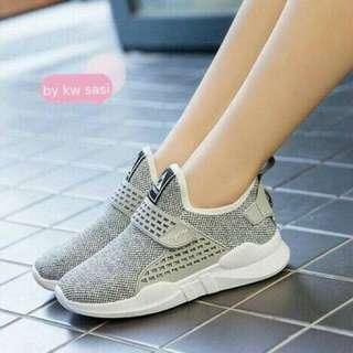 Sepatu casual 064