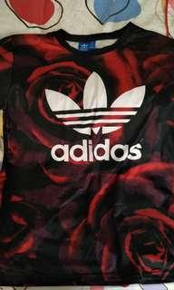 🚚 愛迪達Adidas 玫瑰花樣t-shirt