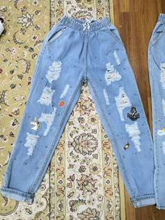 Ripped Jeans by Misslilyshop