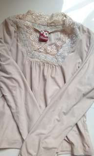 Cream Lace Longsleeves