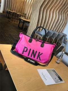 FREE SHIPPING 😍VS INSPIRED PINK TRAVEL BAG