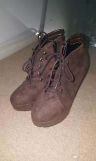 Brown Suede Lace-up Boots