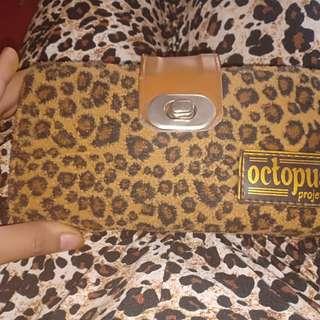 Dompet leopard