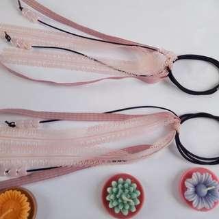 Ikat rambut tali renda love  Warna :  Pink Blue Red Grey Navy  Cantik,elegan Bahan tali, renda  Bisa ikat berbagai variasi  H 15rb /psang (2pcs)