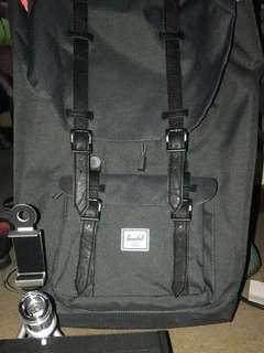 Herschel Little America 23.5L Bagpack