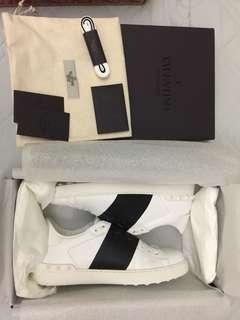 Valentino 黑白間波鞋