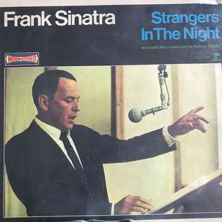 VINYL - Frank Sinatra Strangers in the Night