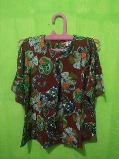 SALESTOCK Naldira paisley slit blouse