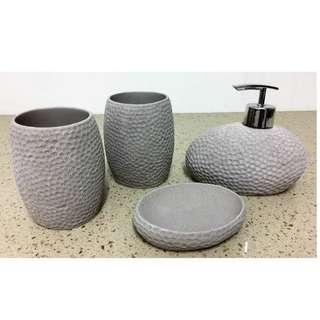 🚚 Designer's Toiletries