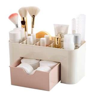 🚚 Make Up Organizer