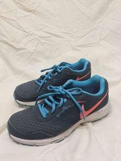 🚚 九成新✨ Nike慢跑鞋US8