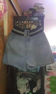 短牛仔褲,全新未着過、有吊牌,原價$299