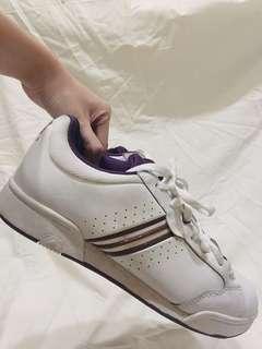 🚚 adidas女鞋US8.5