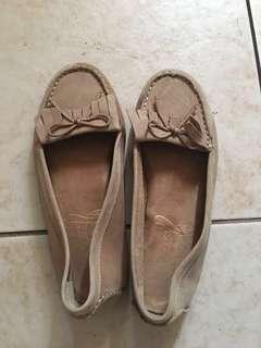 Aerosoles Loafer Shoes size 5.5