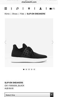 Sneaker size 6.5
