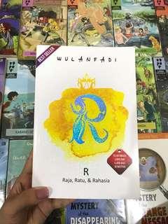 Novel R (Raja, Ratu, dan Rahasia) by Wulanfadi