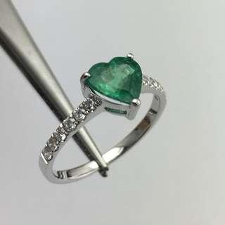 18K白金戒指 1卡12份綠寶 22份鑽石  18K Withe gold Ring 1.12ct Emerald 0.22ct Diamond 可議價