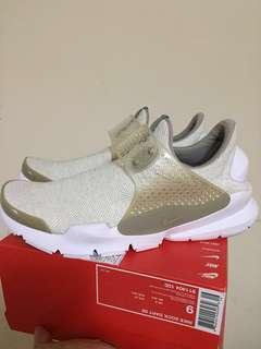 🚚 (台灣公司貨)Nike sock Dart 米白 休閒鞋