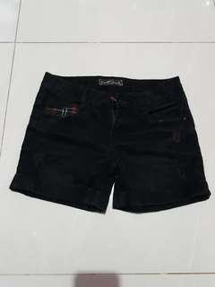 GRATIS Celana pendek hitam M