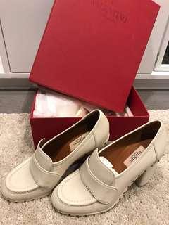 New! Valentino Heels(Size 38)