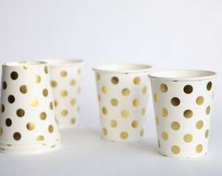 Disposable party cups gold dots