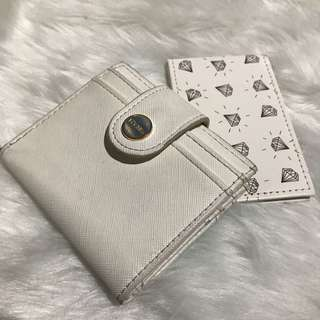 Bershka wallet with free mirror