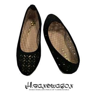 【H.BANDWAGON】復古鏤空刻花圓頭平底鞋 包鞋 娃娃鞋