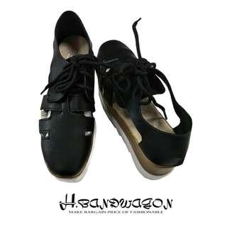 【H.BANDWAGON】歐美皮質鏤空綁帶仿木夾心厚底休閒鞋