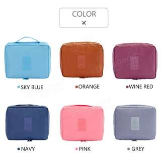 Travel cosmetic pouch organizer