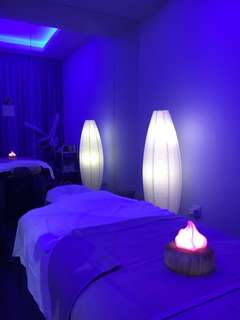 Aromatherapy facial and relaxing back trmt 1hr 30mins 👩🏻🧕🏻for ladies only