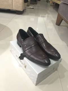 Sepatu Kerja Pantofel Cokelat Merk Playboy Dress Dark Brown PH3810DBR430 Baru Original