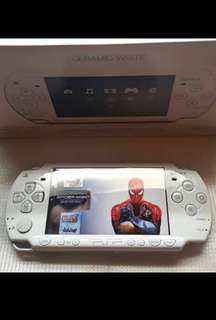 PSP 2000 slim with games