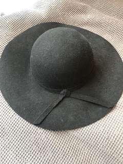 Brandy Melville Wool Hat