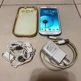 🚚 [售]SAMSUNG S3 16GBGB 智慧型手機     [價格]2500 [物品狀況]2手    [交易方式]面交自取    [交易地點]台南市東區    [備註]無盒裝/手機/旅充/耳機/背套/電池*2 [匯款帳號]合作金庫[006]1232-872-051459