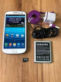 🚚 [售]SAMSUNG S3 16GBGB 智慧型手機     [價格]2000 [物品狀況]2手    [交易方式]面交自取    [交易地點]台南市東區    [備註]無盒裝/手機/旅充/耳機/記憶卡2GB/電池*2 [匯款帳號]合作金庫[006]1232-872-051459