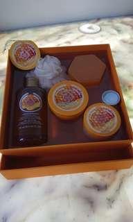 Body Shop Gift Set honey mania