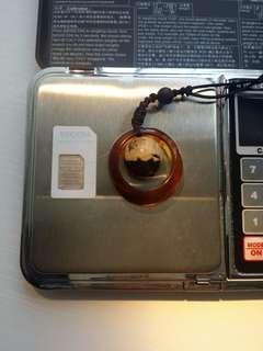天然琥珀電話繩,可拆開變一枚戒指和一個吊墜,中美開戰,不用五百平出