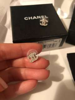 Chanel Boucles Oreille earrings