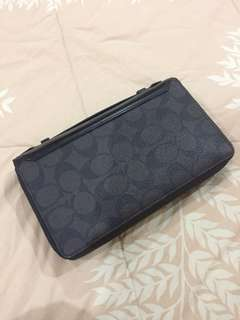Coach man clutch authentic