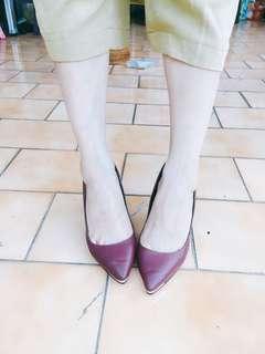 🚚 D+AF 金屬鑲片素面尖頭跟鞋 婚鞋