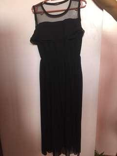 Maternity dress (see through skirt)
