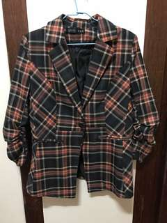 🚚 格紋抓袖挺版西裝外套