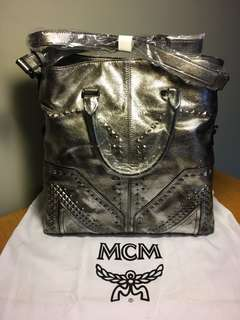全新MCM leather handbag