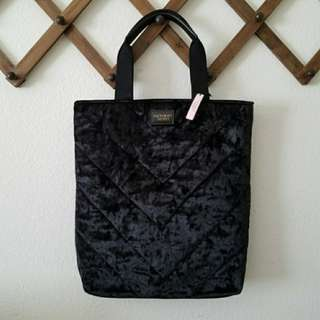New Without Tags VICTORIA'S SECRET BLACK VELVET TOTE - Limited Edition