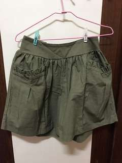 🚚 軍綠色花邊雙口袋鬆緊腰顯瘦褲裙