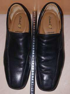 Clarks 可試 全黑色真皮男鞋 🇮🇳Made in India