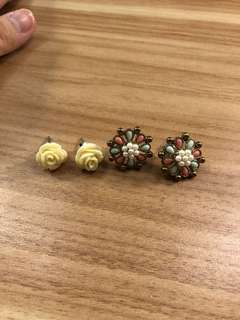 2 pack Floral Earring
